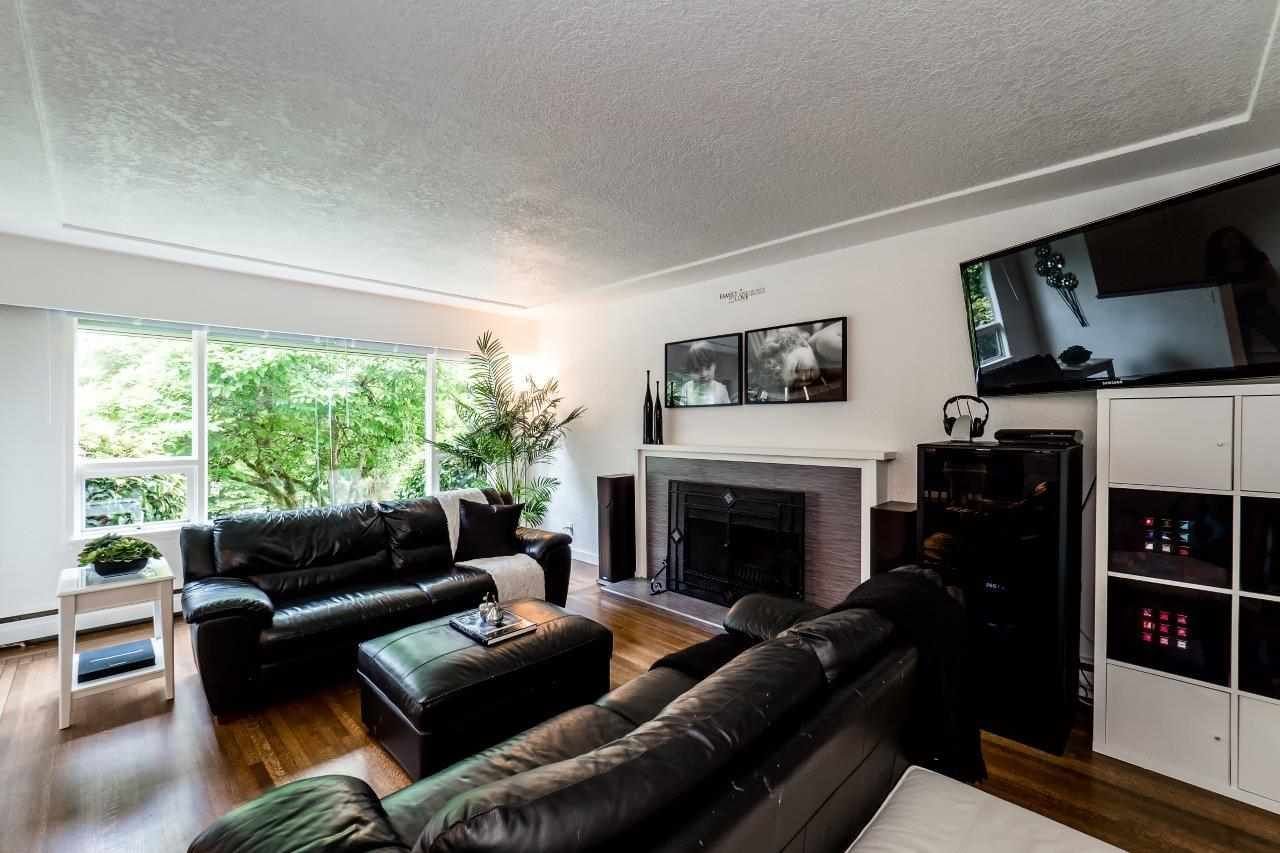 Photo 2: Photos: 1002 CLEMENTS Avenue in North Vancouver: Canyon Heights NV House for sale : MLS®# R2078694
