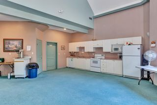 """Photo 38: 103 1745 MARTIN Drive in White Rock: Sunnyside Park Surrey Condo for sale in """"SOUTH WYND"""" (South Surrey White Rock)  : MLS®# R2617912"""