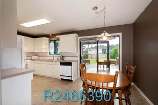 Photo 8: 13524 87B Avenue in Surrey: Queen Mary Park Surrey House for sale : MLS®# R2466390