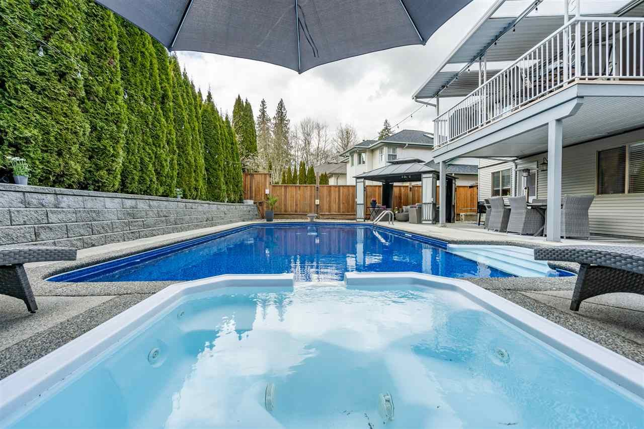 Photo 19: Photos: 23675 108 Loop in Maple Ridge: Albion House for sale : MLS®# R2447949