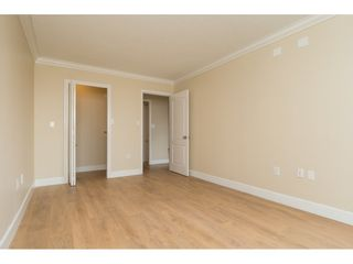 """Photo 11: 410 15111 RUSSELL Avenue: White Rock Condo for sale in """"PACIFIC TERRACE"""" (South Surrey White Rock)  : MLS®# R2152299"""