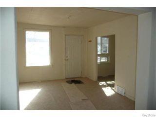 Photo 3: 613 Herbert Avenue in WINNIPEG: East Kildonan Residential for sale (North East Winnipeg)  : MLS®# 1526543