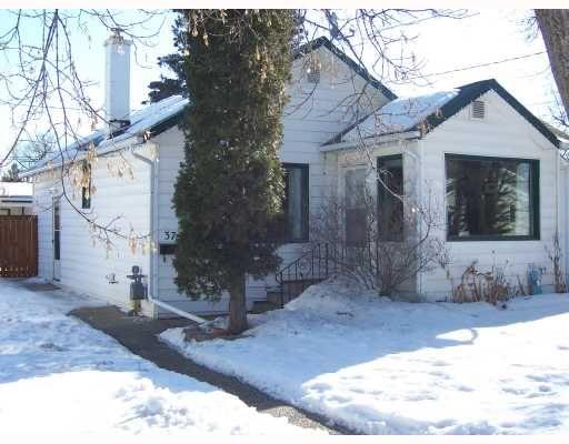 Main Photo: 37 ST DAVID Road in WINNIPEG: St Vital Residential for sale (South East Winnipeg)  : MLS®# 2803814