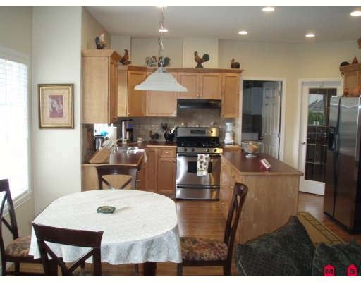 """Photo 5: Photos: 18267 64TH Avenue in Surrey: Cloverdale BC House for sale in """"CLAYTON RIDGE"""" (Cloverdale)  : MLS®# F2913743"""