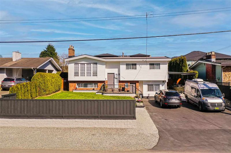FEATURED LISTING: 2310 BROADWAY Street Abbotsford