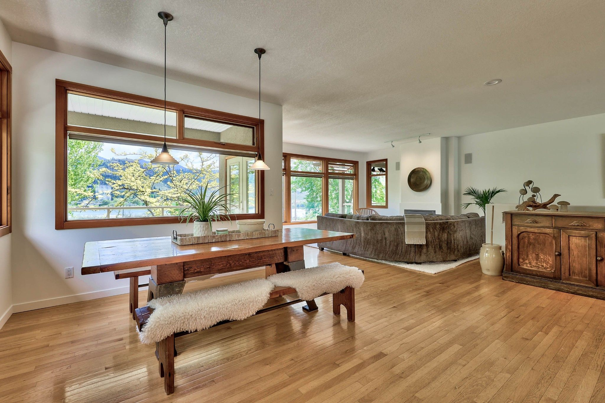 Photo 11: Photos: 3299 E Shuswap Road in Kamloops: South Thompson Valley House for sale : MLS®# 162162