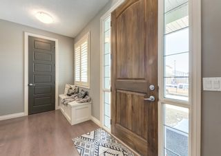 Photo 3: 137 Kinniburgh Gardens: Chestermere Detached for sale : MLS®# A1088295