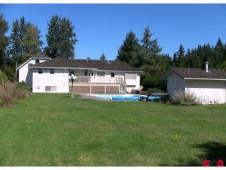"""Photo 3: 24660 53RD Avenue in Langley: Salmon River House for sale in """"Strawberry Hills"""" : MLS®# F2923240"""
