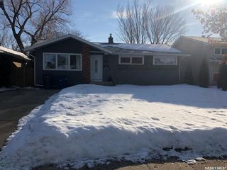 Photo 1: 122 Tucker Crescent in Saskatoon: Brevoort Park Residential for sale : MLS®# SK844911