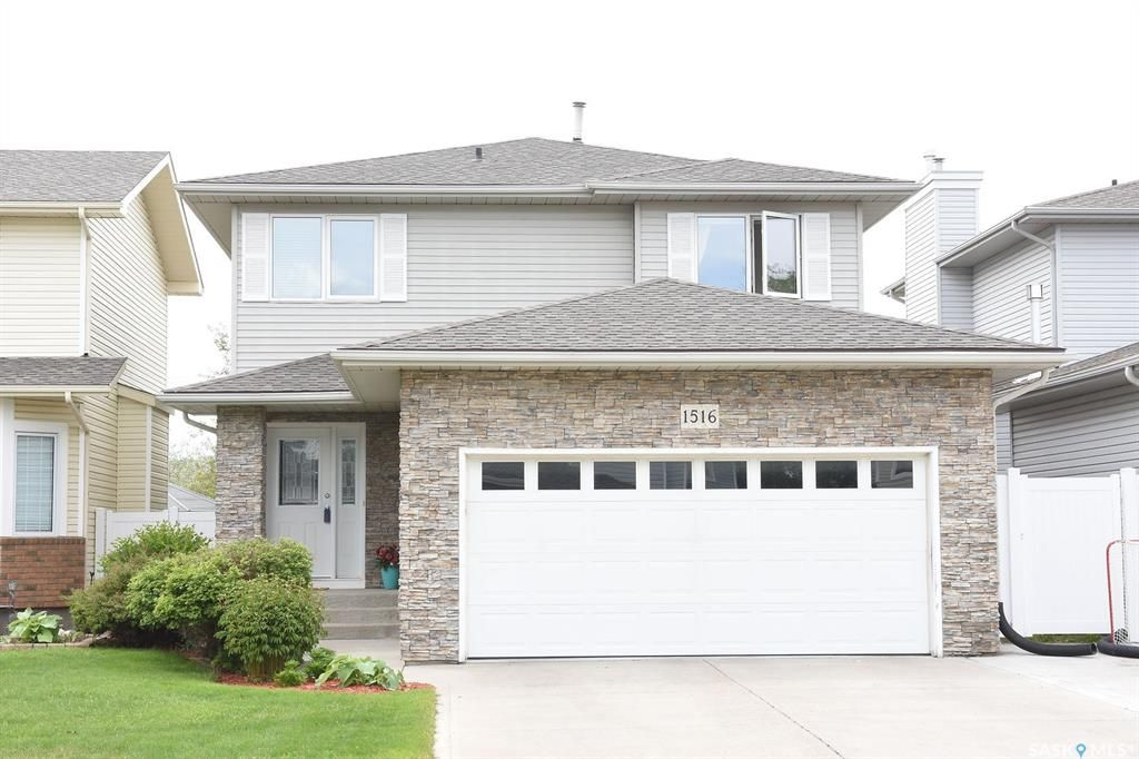 Main Photo: 1516 Rousseau Crescent North in Regina: Lakeridge RG Residential for sale : MLS®# SK811518