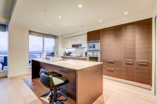 """Photo 12: 2701 1499 W PENDER Street in Vancouver: Coal Harbour Condo for sale in """"West Pender Place"""" (Vancouver West)  : MLS®# R2520927"""