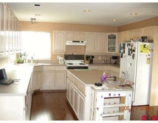 "Photo 5: 8054 153A Street in Surrey: Fleetwood Tynehead House for sale in ""FAIRWAY PARK"" : MLS®# F1002400"