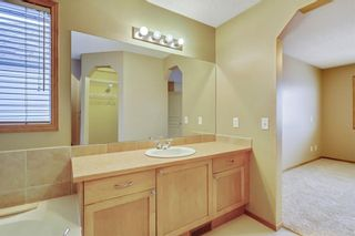Photo 32: 38 SOMERSIDE Crescent SW in Calgary: Somerset House for sale : MLS®# C4142576