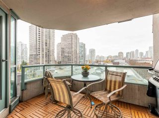 """Photo 3: 501 888 HAMILTON Street in Vancouver: Downtown VW Condo for sale in """"ROSEDALE GARDEN"""" (Vancouver West)  : MLS®# R2518975"""