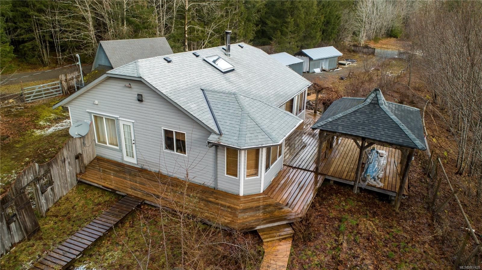 Main Photo: 4325 York Rd in : CR Campbell River South House for sale (Campbell River)  : MLS®# 867428