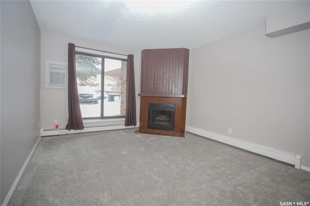 Photo 5: Photos: 101 411 Tait Court in Saskatoon: Wildwood Residential for sale : MLS®# SK834232