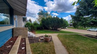 Photo 4: 5408 92 Avenue in Edmonton: Zone 18 House for sale : MLS®# E4248327