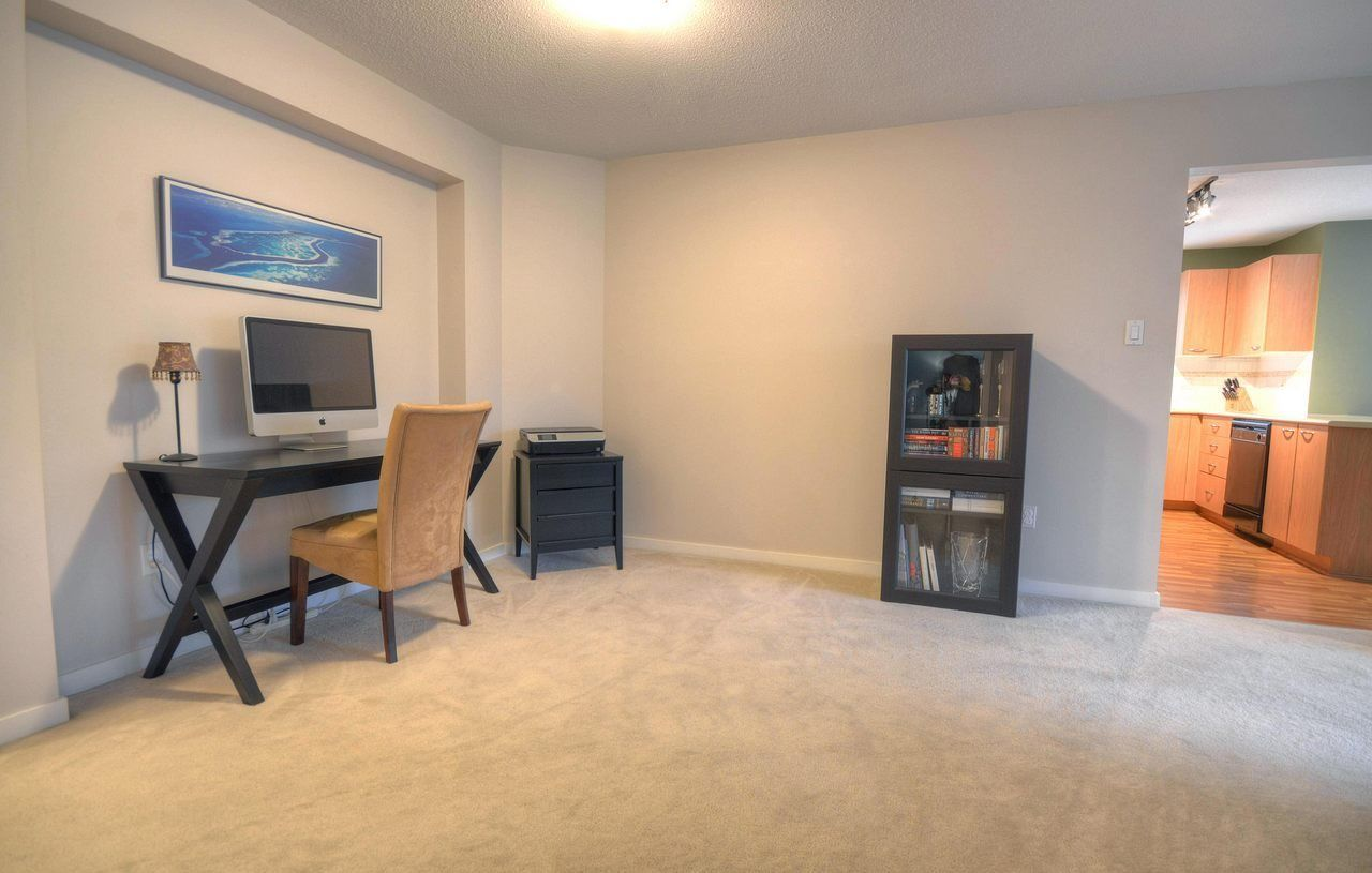 """Photo 6: Photos: 309 2968 SILVER SPRINGS Boulevard in Coquitlam: Westwood Plateau Condo for sale in """"TAMARISK"""" : MLS®# R2237139"""