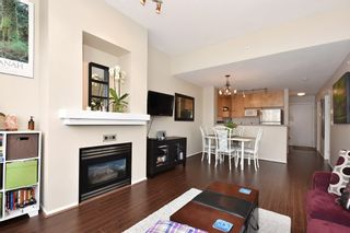 "Photo 4: 505 124 W 3RD Street in North Vancouver: Lower Lonsdale Condo for sale in ""THE VOGUE"" : MLS®# R2030995"