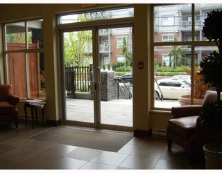 """Photo 2: 410 2477 KELLY Avenue in Port Coquitlam: Central Pt Coquitlam Condo for sale in """"SOUTH VERDE"""" : MLS®# V780816"""