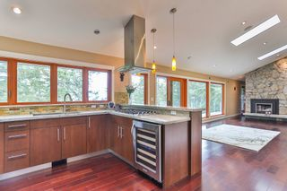 "Photo 11: 465 WESTHOLME Road in West Vancouver: West Bay House for sale in ""WEST BAY"" : MLS®# R2012630"