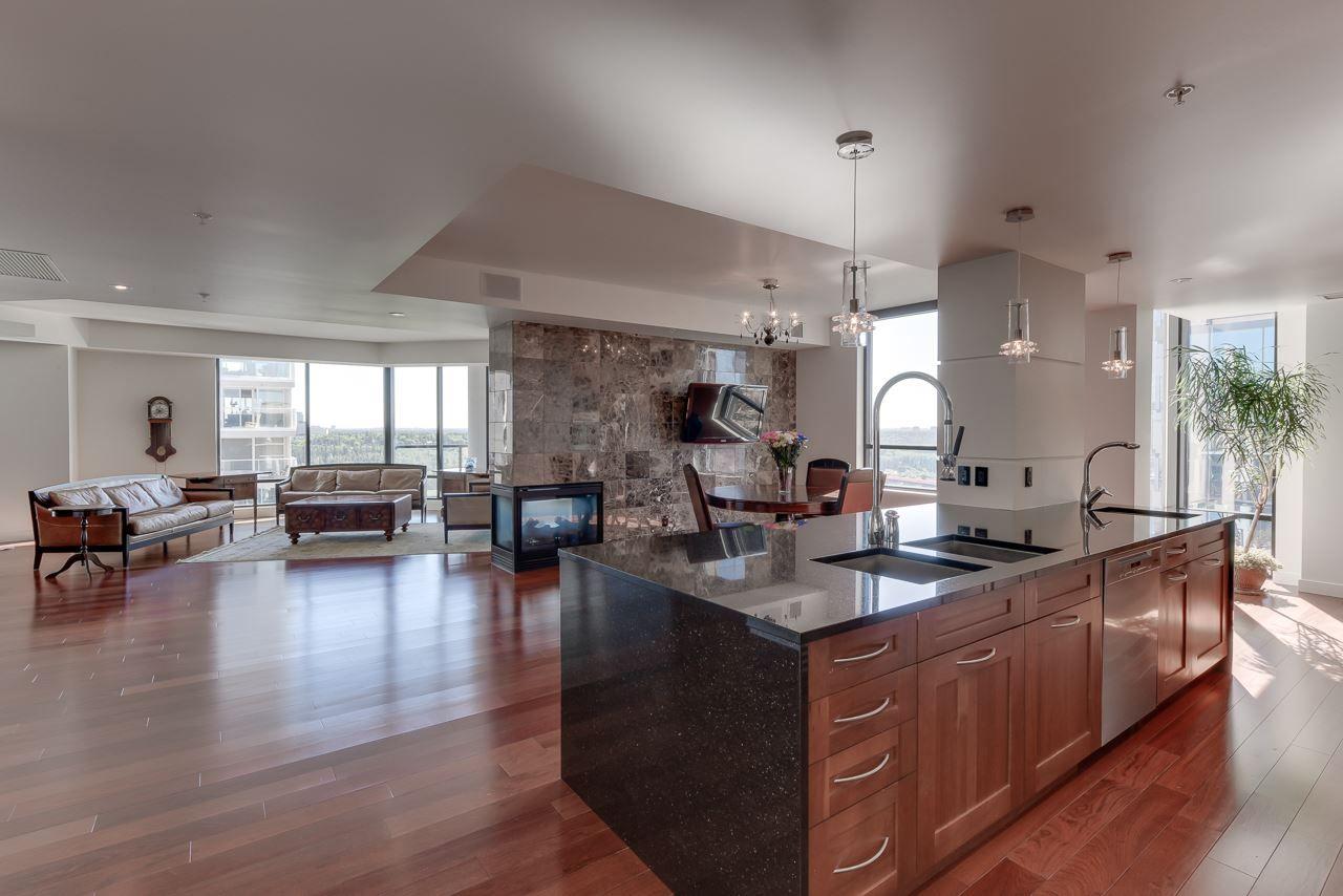 Photo 11: Photos: 1200 11933 JASPER Avenue in Edmonton: Zone 12 Condo for sale : MLS®# E4208205
