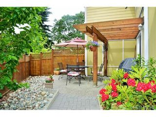 Photo 3: 917 Brock Ave in VICTORIA: La Langford Proper Row/Townhouse for sale (Langford)  : MLS®# 732298