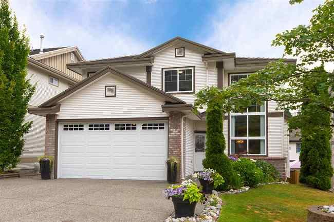Main Photo: 2209 TURNBERRY Lane in Coquitlam: Home for sale : MLS®# R2305924