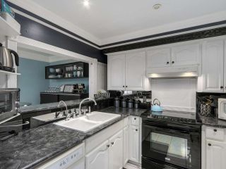 """Photo 7: 13 9785 152B Street in Surrey: Guildford Townhouse for sale in """"Turnberry Place"""" (North Surrey)  : MLS®# R2125112"""