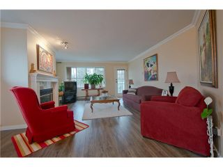 """Photo 3: 203 15439 100 Avenue in Surrey: Guildford Townhouse for sale in """"Plumtree Lane"""" (North Surrey)  : MLS®# F1404844"""