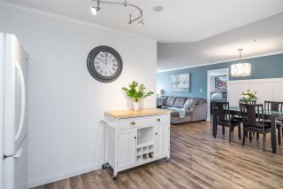 Photo 7: 302 1575 BEST Street: Condo for sale in White Rock: MLS®# R2560009