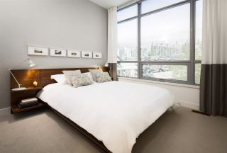 Photo 4: 306 9060 UNIVERSITY CRESCENT in Burnaby: Simon Fraser Univer. Condo for sale (Burnaby North)  : MLS®# R2057977