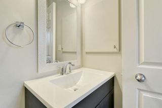 Photo 9: 215 Strathearn Crescent SW in Calgary: Strathcona Park Detached for sale : MLS®# A1146284