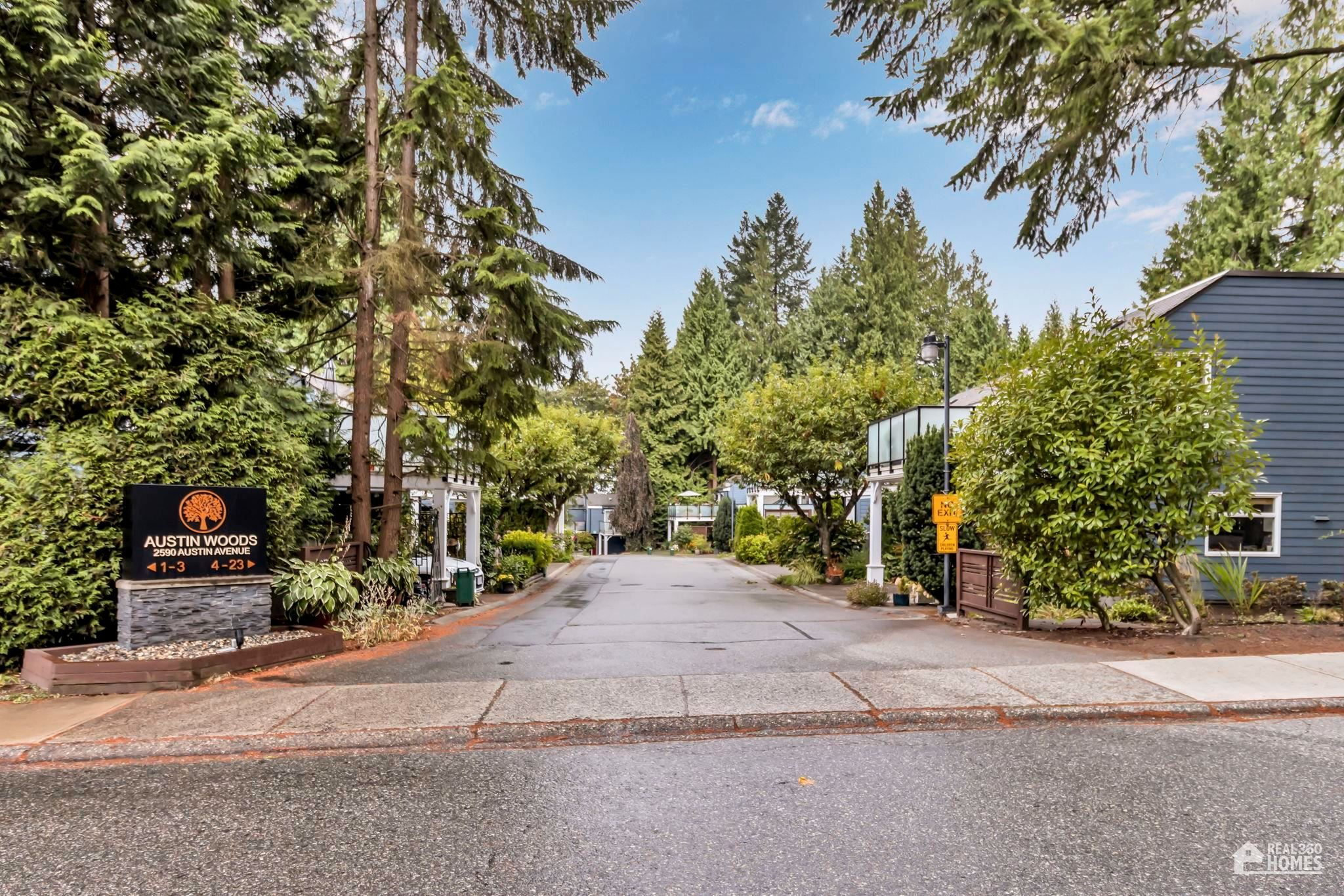 Main Photo: 17-2590 Austin Ave in Coquitlam: Coquitlam East Townhouse for sale : MLS®# R2611738