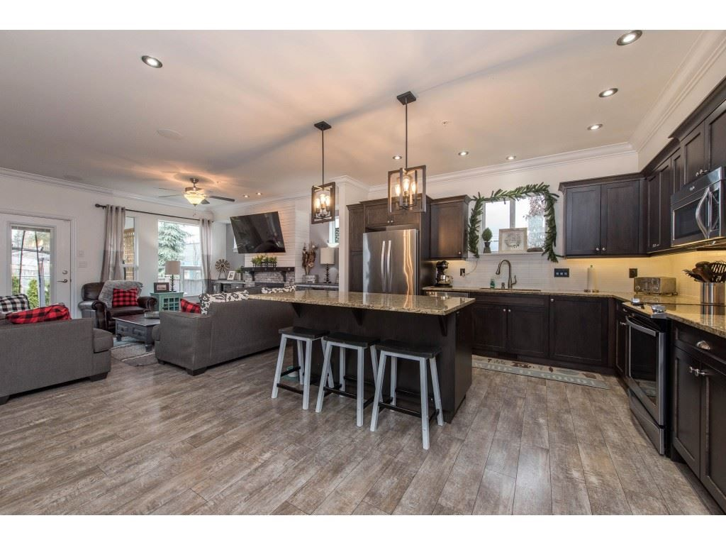 Photo 7: Photos: 16 44849 ANGLERS Boulevard in Chilliwack: Vedder S Watson-Promontory Townhouse for sale (Sardis)  : MLS®# R2536060
