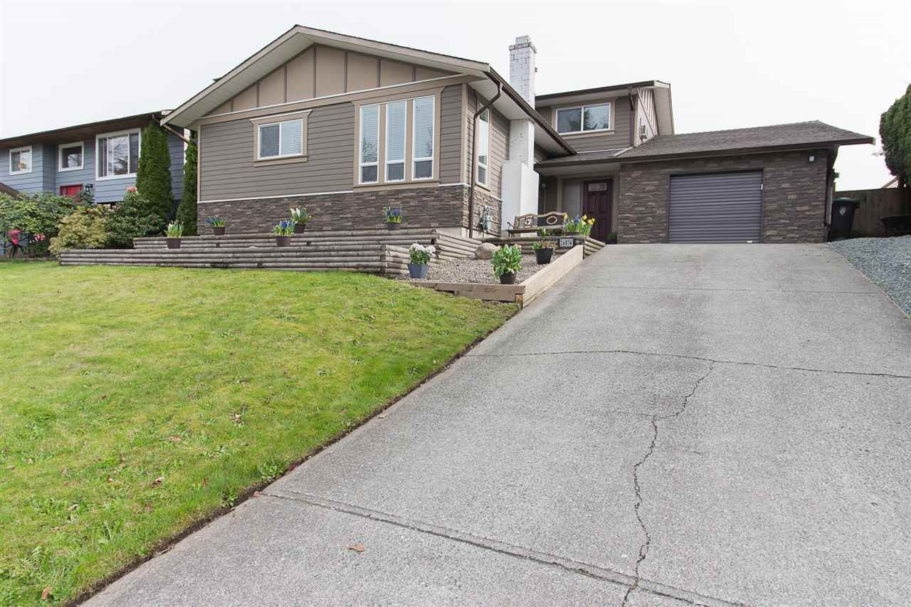 Main Photo: 26874 32A Avenue in Langley: Aldergrove Langley House for sale : MLS®# R2261824