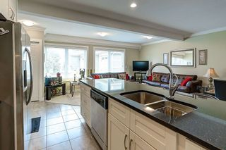 """Photo 7: 302 311 LAVAL Square in Coquitlam: Maillardville Townhouse for sale in """"HERITAGE ON THE SQUARE"""" : MLS®# R2097226"""