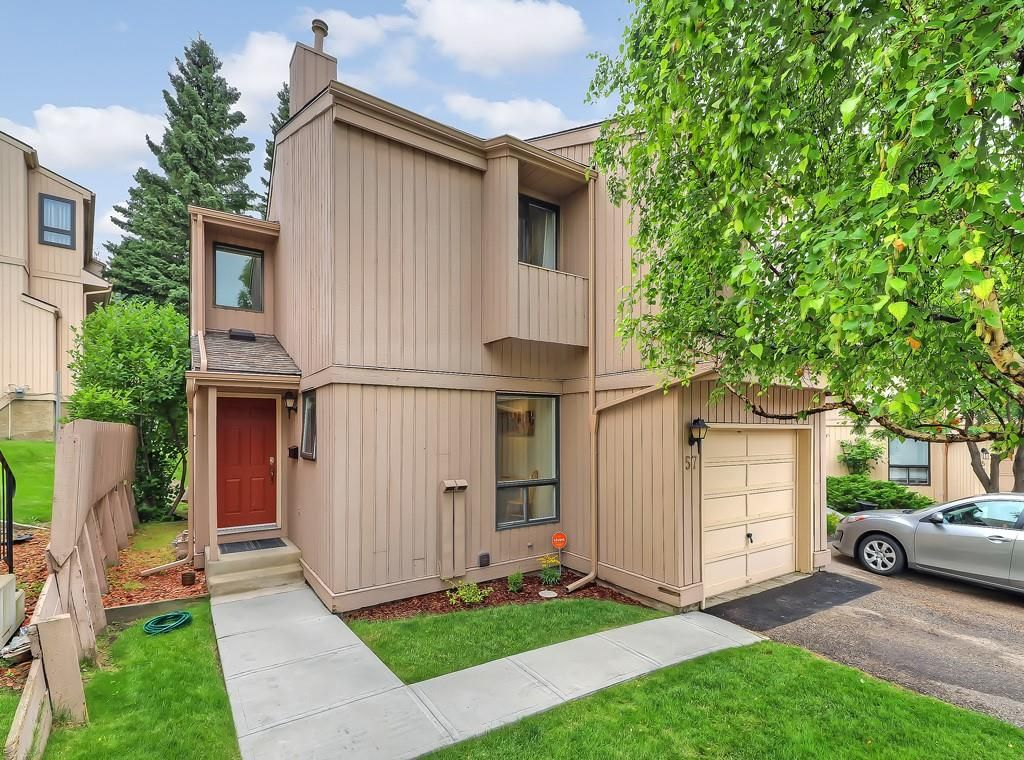 Main Photo: #57 70 BEACHAM WY NW in Calgary: Beddington Heights House for sale : MLS®# C4295026