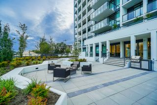 """Photo 32: 2368 ALPHA Avenue in Burnaby: Brentwood Park Townhouse for sale in """"Milano- Brentwood Park"""" (Burnaby North)  : MLS®# R2378825"""