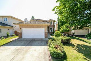 Photo 2: 362 TWIN BROOKS Drive in Edmonton: Zone 16 House for sale : MLS®# E4256008