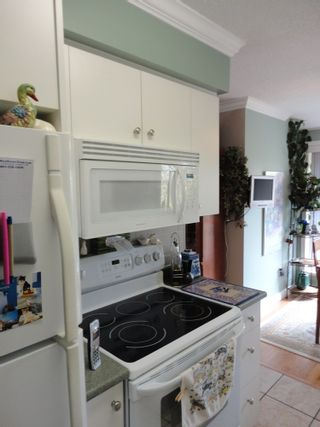 Photo 7: 311 7055 WILMA STREET in The Beresford: Highgate Home for sale ()