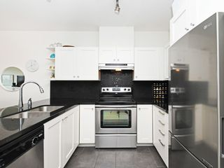 """Photo 10: 406 4550 FRASER Street in Vancouver: Fraser VE Condo for sale in """"Century"""" (Vancouver East)  : MLS®# R2394359"""