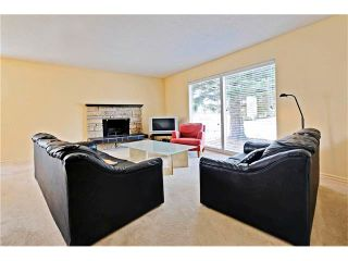 Photo 2: 6628 LETHBRIDGE Crescent SW in Calgary: Lakeview House for sale : MLS®# C4055225