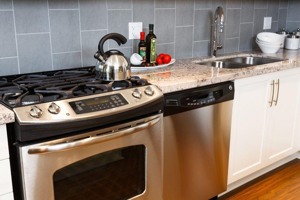 Photo 7: Photos: # 306 15428 31ST AV in Surrey: Grandview Surrey Condo for sale (South Surrey White Rock)  : MLS®# F1425194