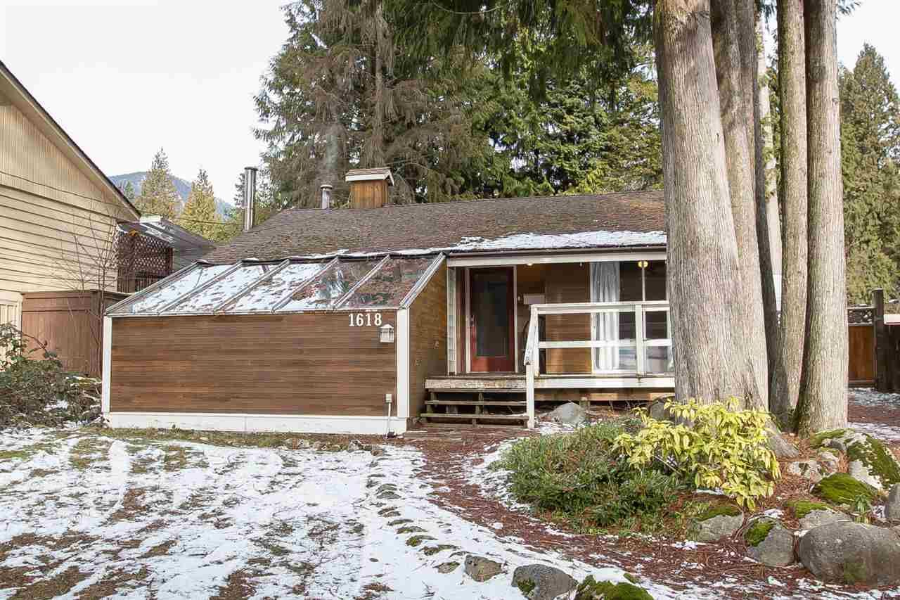 Main Photo: 1618 COLEMAN Street in North Vancouver: Lynn Valley House for sale : MLS®# R2339493