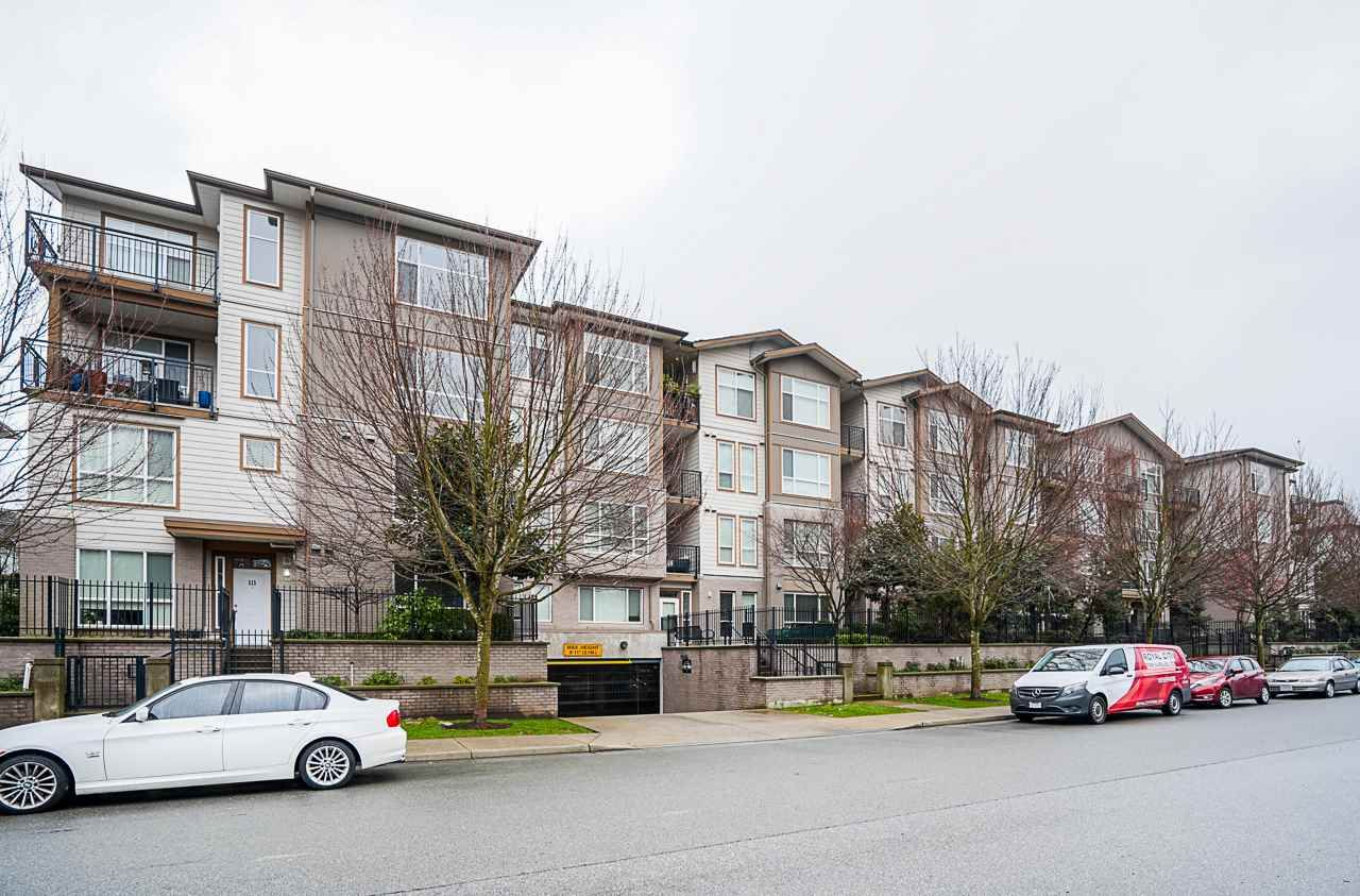 "Main Photo: 215 2343 ATKINS Avenue in Port Coquitlam: Central Pt Coquitlam Condo for sale in ""Pearl"" : MLS®# R2542020"