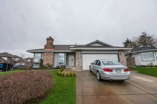 Photo 2: 18461 57A Avenue in Surrey: Cloverdale BC House for sale (Cloverdale)  : MLS®# R2154507