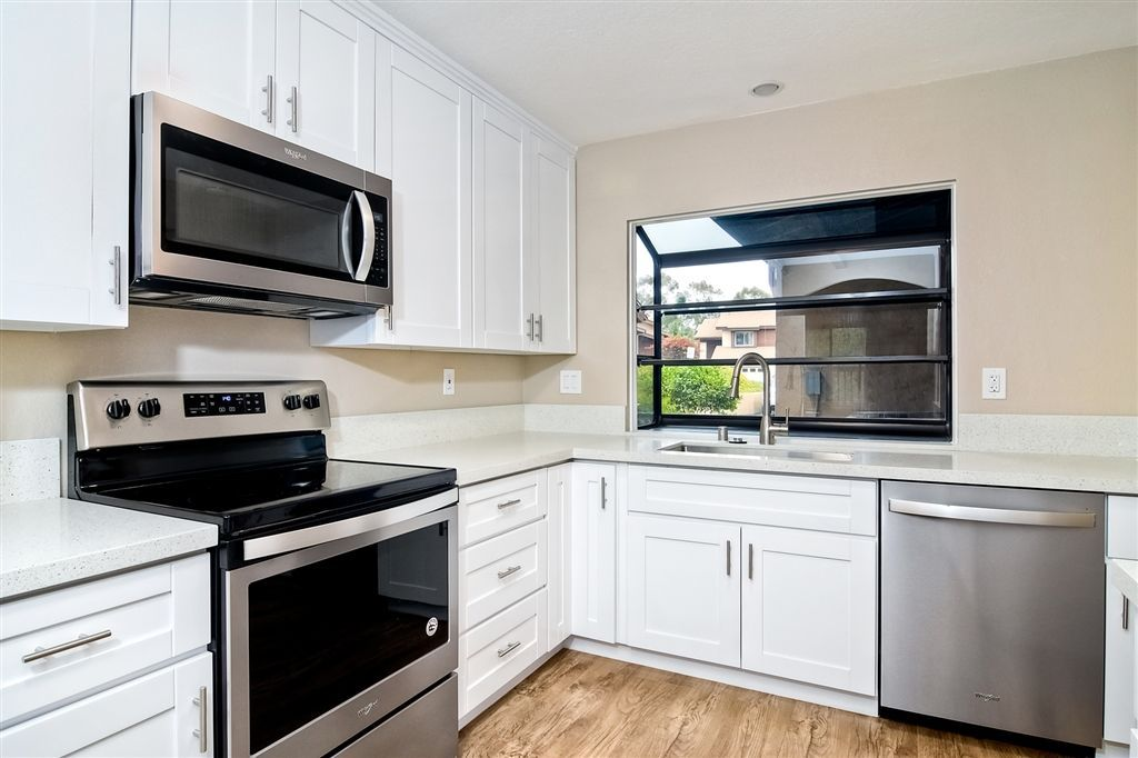 Main Photo: SCRIPPS RANCH Townhouse for sale : 4 bedrooms : 10324 Caminito Goma in San Diego