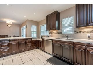 Photo 3: 534 BLUE MOUNTAIN Street in Coquitlam: Coquitlam West House for sale : MLS®# R2460178