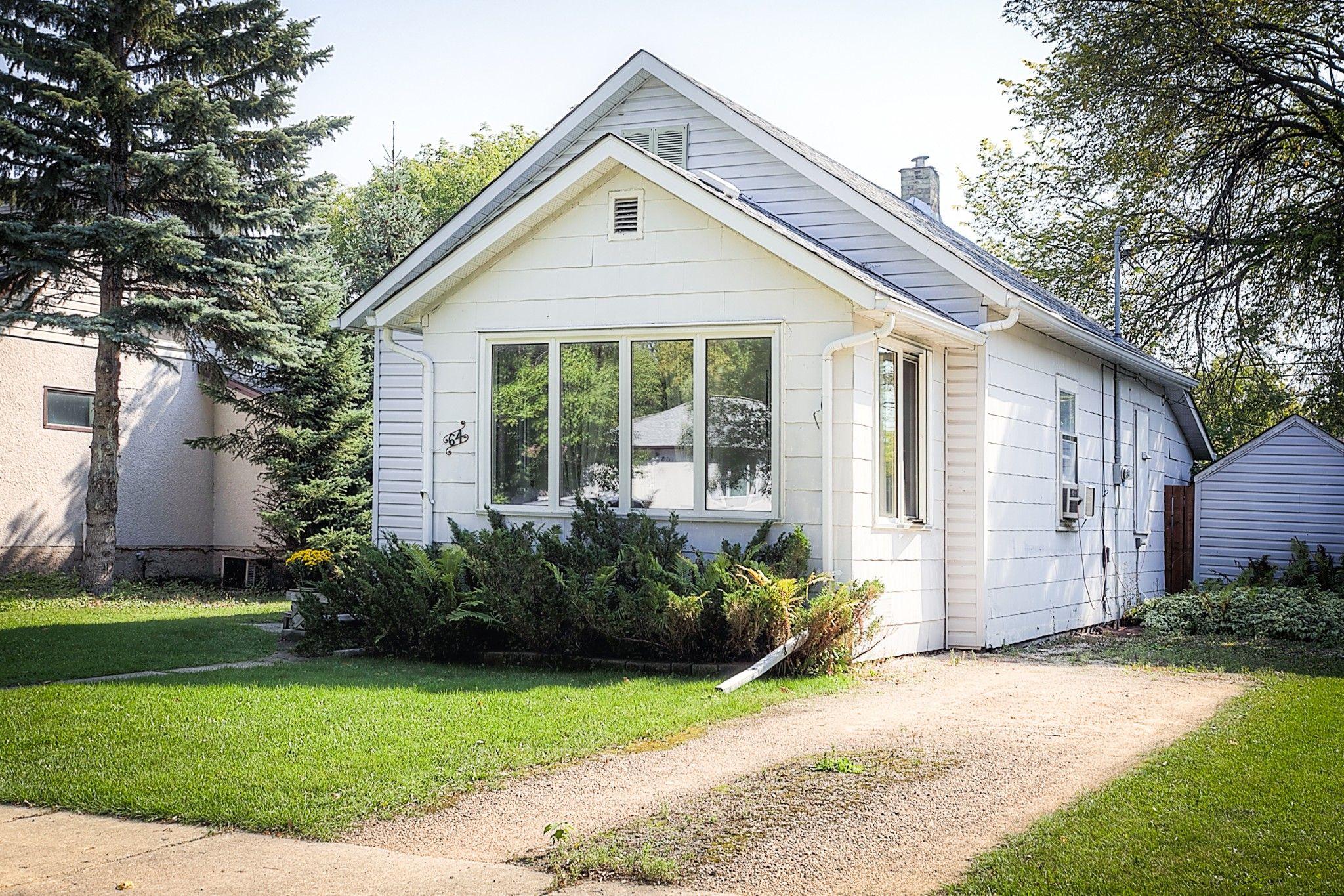 Main Photo: 64 Inman Avenue in Winnipeg: St Vital Single Family Detached for sale (2D)  : MLS®# 1926807